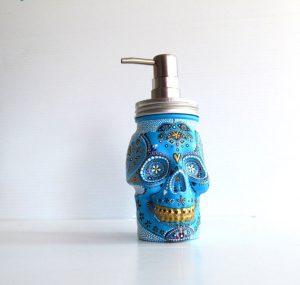 pearle's pretty pieces - skull soap dispenser