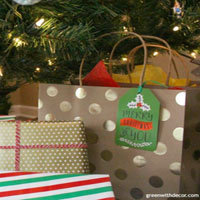 Easy Gift Wrapping Ideas Featured in Green With Decor