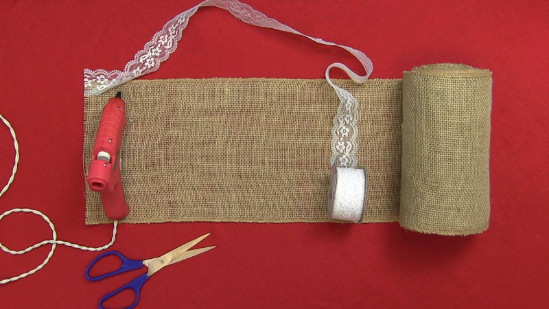 Making a Burlap and Lace Table Runner