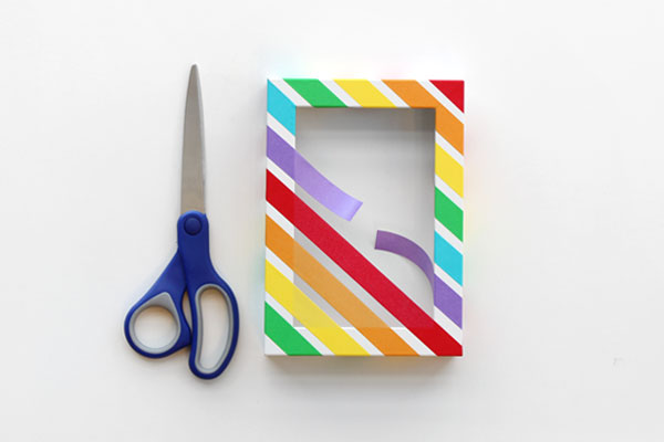 Colorful Rainbow Craft: DIY Picture Frame