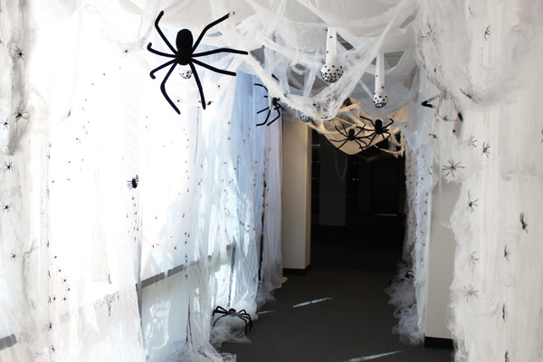 office halloween decorations