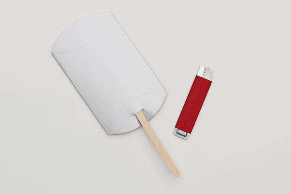 pillow shaker handle