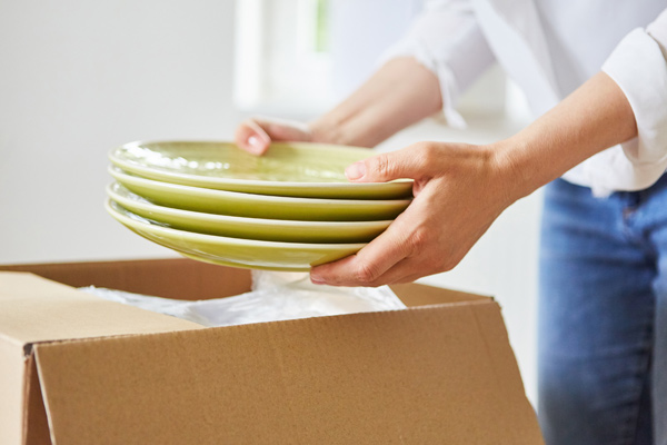 packing dishes for moving